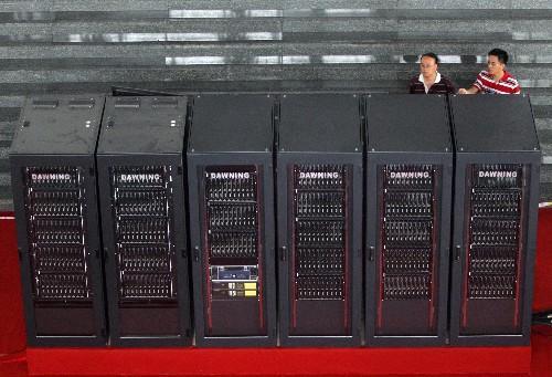中国首台超百万亿次超级计算机天津下线