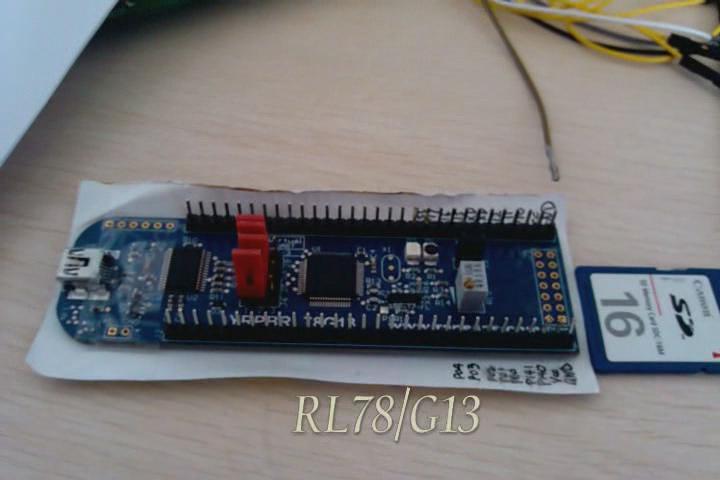 """jobs""的使用RL78开发板来实现SD卡读写的demo实验"