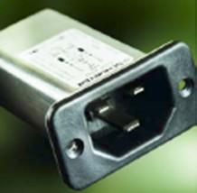 C22F–用于高环境温度的紧凑型滤波式插口