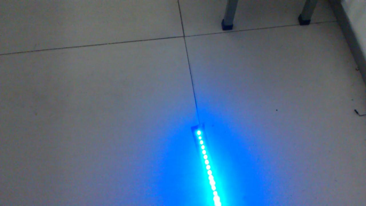 啸风的LED摇字棒视频
