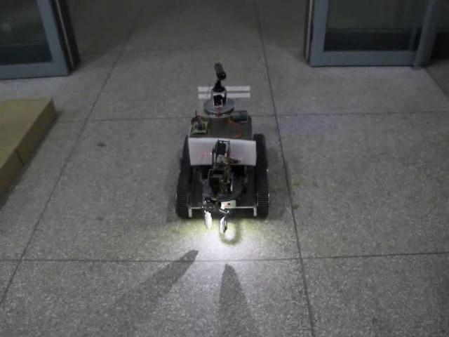 履带式无线可视救援机器人