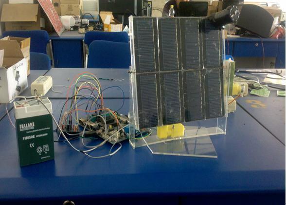 基于单片机的太阳能跟踪供电系统