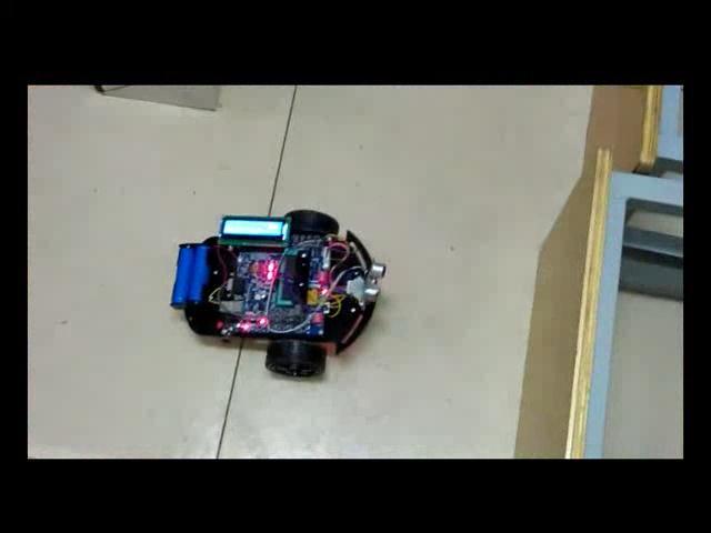 安卓遥控超声波避障智能车