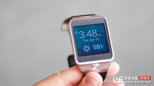 We think Samsung made good decisions with the Gear 2's hardware