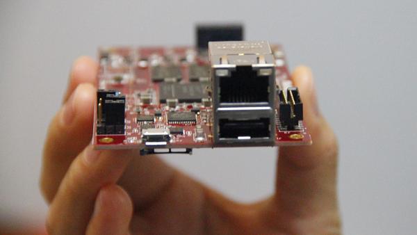 Adam Taylor玩转Microzed系列第81部分:简单通信接口