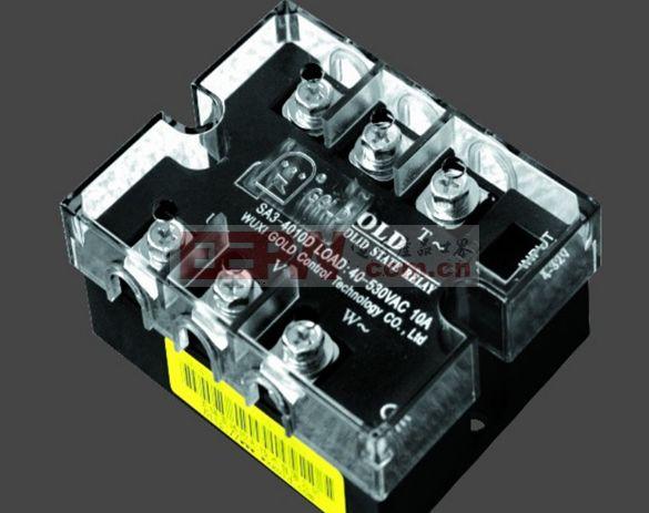 继电器目前已广泛应用于计算机外围接口设备、恒温系统、调温、电炉加温控制、电机控制、数控机械,遥控系统、工业自动化装置;信号灯、调光、闪烁器、照明舞台灯光控制系统;仪器仪表、医疗器械、复印机、自动洗衣机;自动消防,保安系统,以及作为电网功率因素补偿的电力电容的切换开关等等,另外在化工、煤矿等需防爆、防潮、防腐蚀场合中都有大量使用。