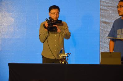"""""""图1:英蓓特制造的树莓派3亮相微软WinHEC大会。"""""""
