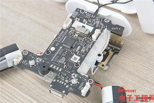 大疆精灵3标准版pk小米无人机真实拆机对比