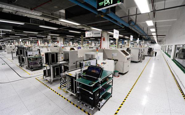 TCL全球制造中心:从引进设备到自主研发自动化设备