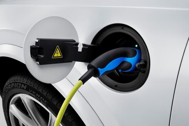 充电模式和换电模式 哪一种更适合消费者?