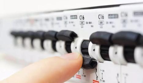 【E问E答】电气工程师和电工二者有什么区别?