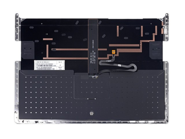键盘拆下来了,就像这样。