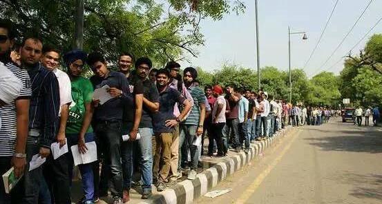 9 小米手机热销印度.jpg