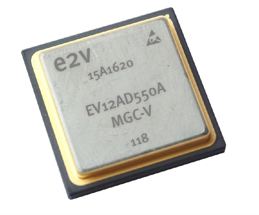 全球首款双通道S波段的宇航应用ADC - EV12AD550A