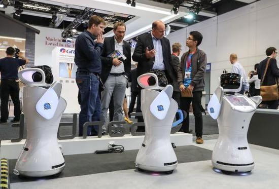 """中国有望在服务型机器人领域""""逆袭""""日本"""