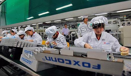 富士康曝非法加班,iPhone X高科技产品背后是中国式无奈?