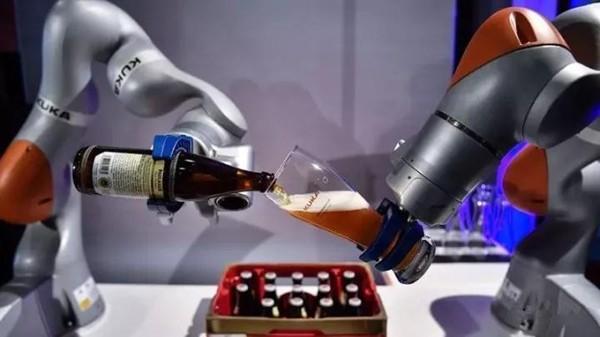 机器人行业增长究竟有多强劲?仅中国去年就买了9万台