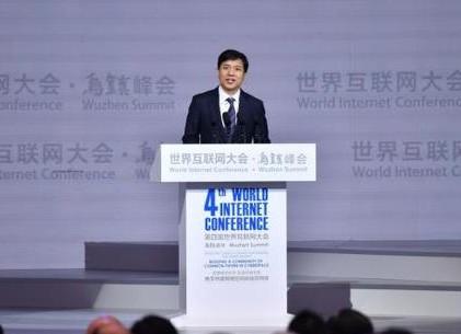 李彦宏:人工智能技术改变了所有产业