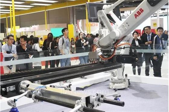 中国欲凭机器人成工业强国 今年产量或达12万