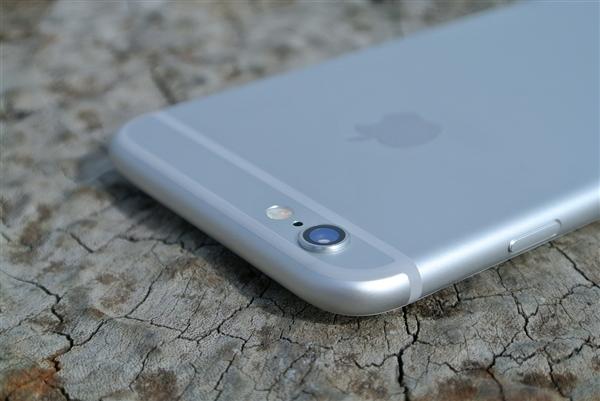 iPhone降速门负面惊动美方上层:苹果不好收场了