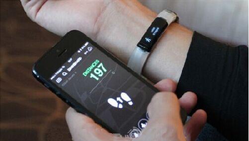 大牌厂商退场 那些酷酷的智能手环 你还戴手上吗?