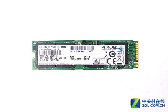 SSD固态硬盘采用了三星SM961