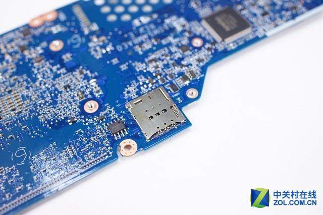 可以看到SIM卡插槽没有任何的阉割,附件也没有看到缺焊的电子元件,这也证明了4G模块的外围设施没有阉割。