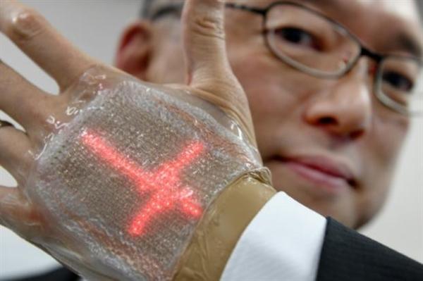 可拉伸145% 日本成功研发柔性LED健康显示屏