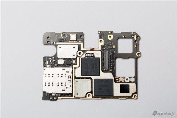 小米MIX 2S怎么样?真机拆解评测:内部做工如何?
