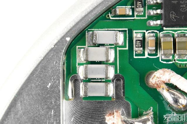 阿里入局无线充行业!淘宝心选首款无线充电器TB-XX12拆解