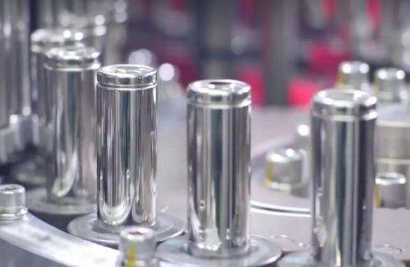 高镍三元迎爆发 圆柱电池将成为811材料主力战场