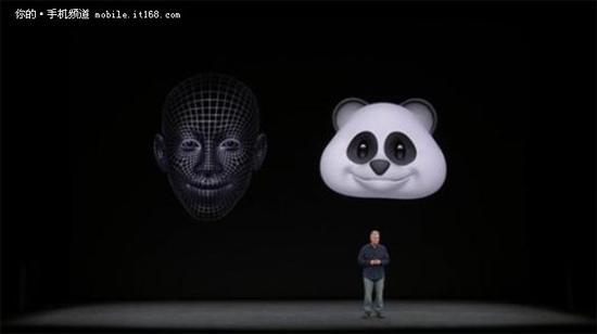 据之前透露的消息,小米的3D结构光人脸识别是由高通、奇景光电和信利光电三家公司联合开发的3D人脸识别模块。而不出意外地,小米可能还将会采用三星的OLED屏幕和COP封装技术,使得手机的下巴可以进一步的收窄,以达到更高的全面屏体验。