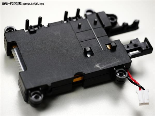 游戏外设搅局者 小米游戏鼠标拆解