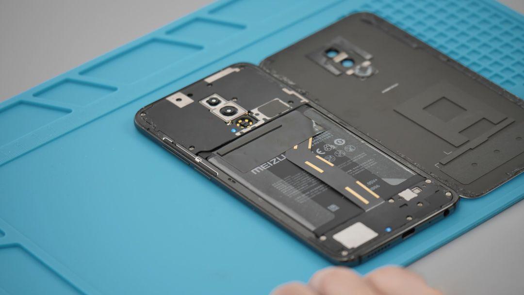 魅族16拆机:黄章原来留了NFC 和无线充电空间