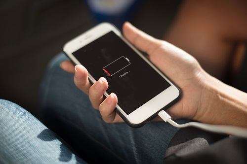 支持USB-PD的移动电源减轻电池电量焦虑