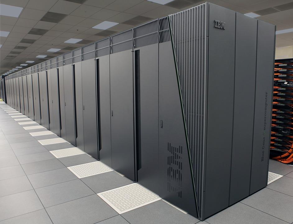 Linux世界大事件:IBM拟收购红帽,剑指云计算