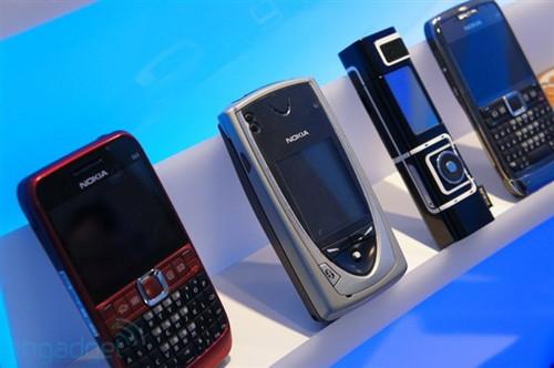 耗资465亿,梦想落地的可折叠屏给国产手机出了一道难题!
