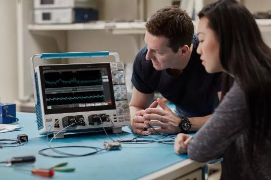 """泰克致力于""""为工程师而生"""",打造全新一代中端示波器"""