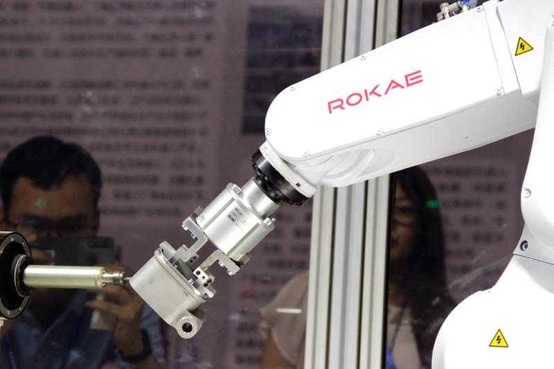 国产工业机器人跟进口品牌的差别在哪里?