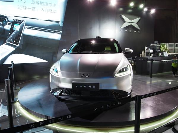 快播王欣声援小鹏汽车:买到的就是最实惠的世上哪有这么好的事?
