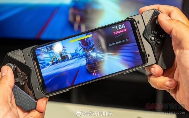华硕ROG Phone 2真机谍照曝光 明日发布