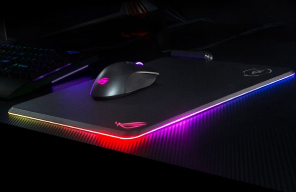 华硕ROG Balteus Qi鼠标垫上架:RGB灯效、无线充电