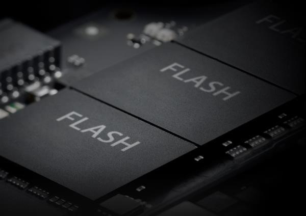 西数发布大刀形SSD:最大容量30.72TB