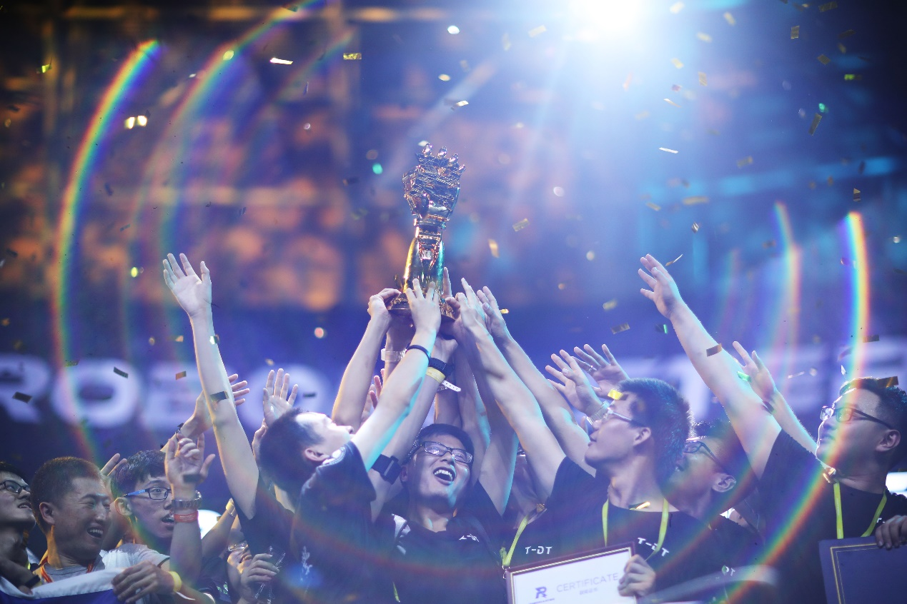 RoboMaster 2019机甲大师总决赛在深圳落幕 东北大学披荆斩棘终夺冠