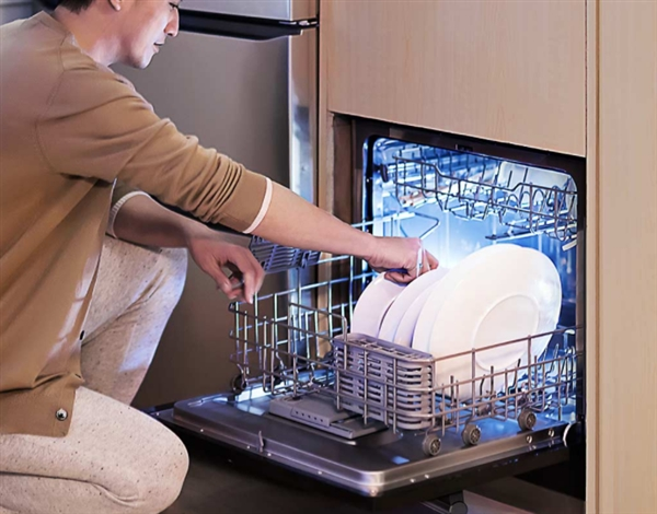 云米互联网嵌入式洗碗机2019款发布:8套带烘干杀菌