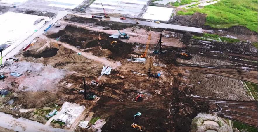 外媒:特斯拉已经在扩建上海工厂 为生产电池做准备