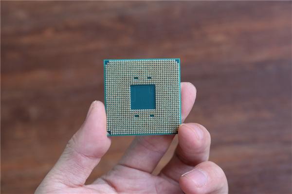 """AMD""""雷诺阿""""APU现身跑分:2020年1月发布?"""