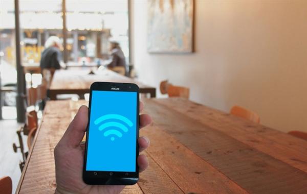 LiFi理论网速比WiFi快100倍:但难以大规模商用