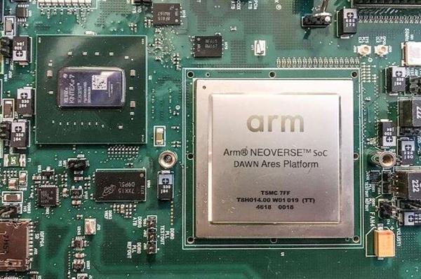 亚马逊设计32核心ARM处理器:全新架构 超高频率