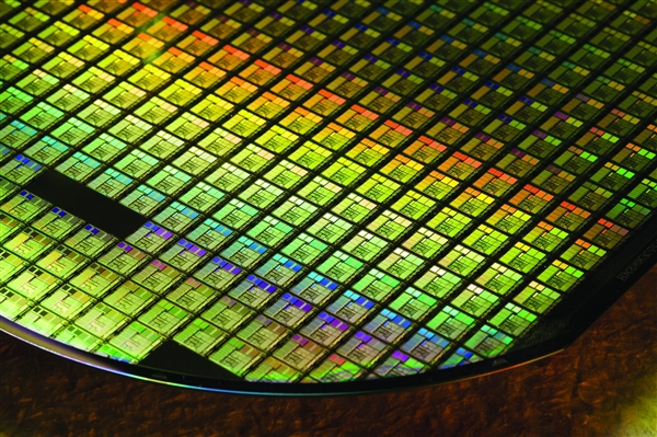 外媒:中国半导体公司2020年将掌握14nm工艺技术